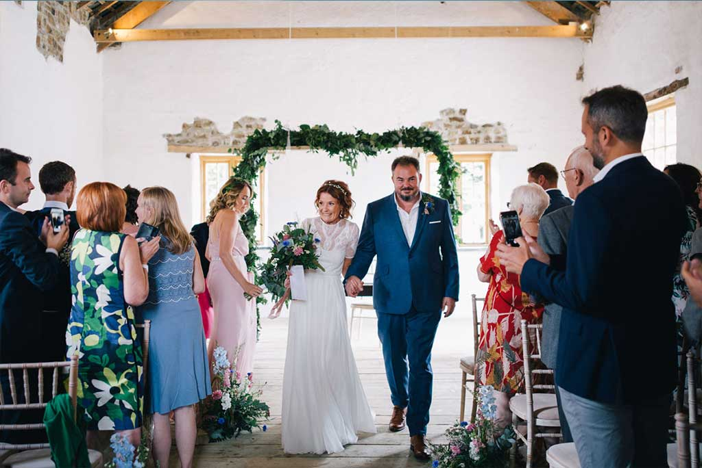 Looking for the perfect manor house wedding venue in Cornwall? Look no further than Launcells Barton